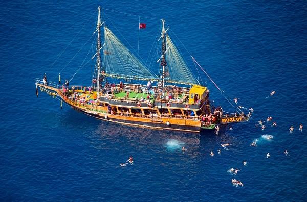 Alanya Bootsfahrt mit BBQ Mittagessen und Getränke