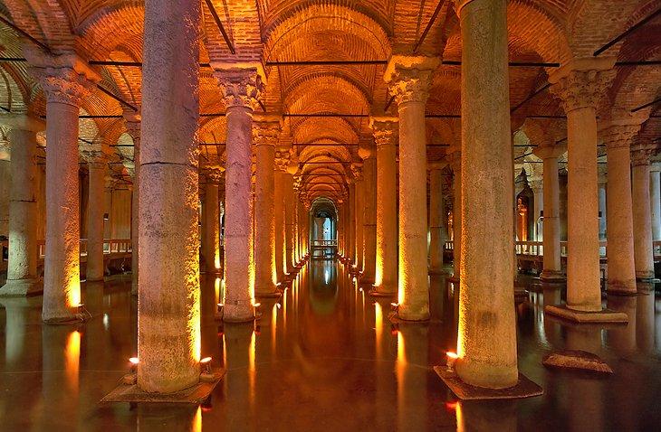 Basilika-Zisterne (Yerebatan Sarniçi)