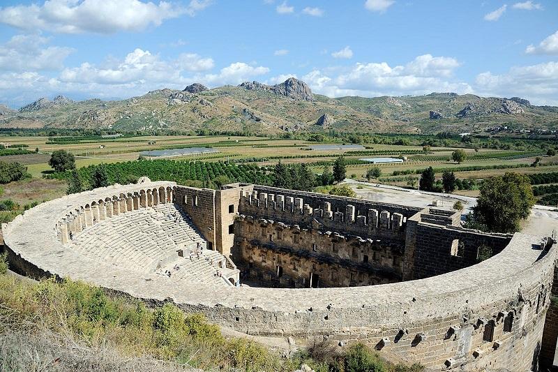 Besuchen Sie die antiken Ruinen von Aspendos