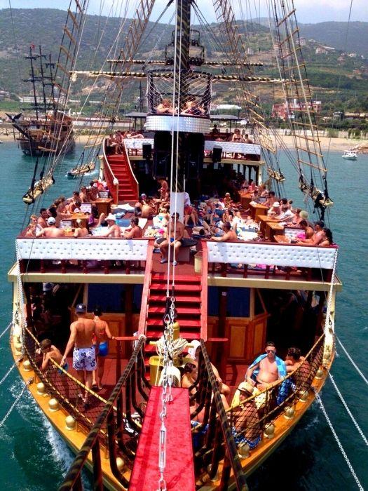 Piraten Bootsfahrt in Alanya
