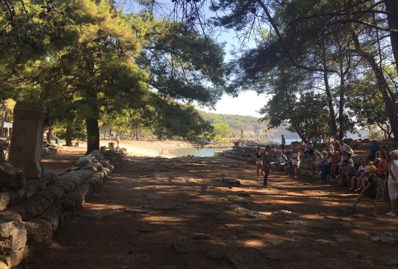 Besuchen Sie die archäologische Stätte von Phaselis